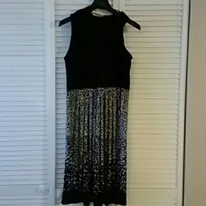 Sandra Darren Sleeveless Dress Size 16